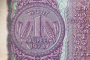 Rupee ends at 61.97/$ vs 62.19/$