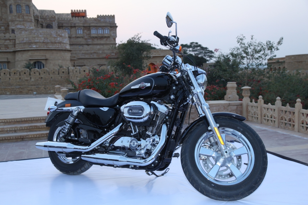 Harley Davidson India Launches Two New Exciting Models Harley Davidson Roadster And Road Glide Special 116110801030 1