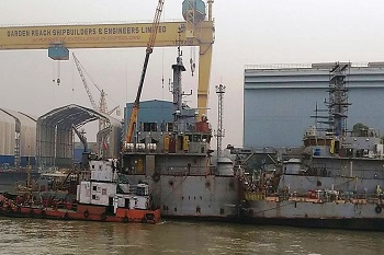 Garden Reach Shipbuilders and Engineers have won a contract worth Rs2,435cr from the Ministry of Defence.