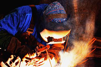High pressure pipe welder